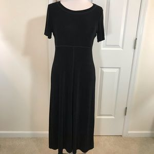 Travel Smith Black short sleeve dress
